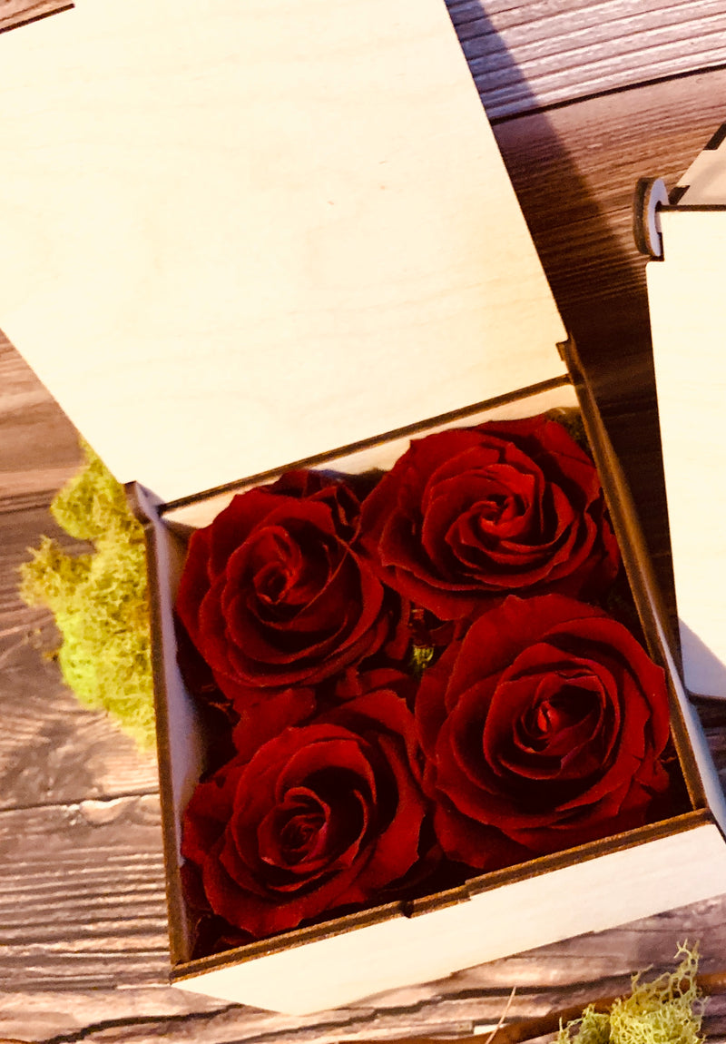 RED ROSES IN AN ARTISANAL FLORAL GIFT BOX