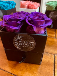 VALENTINE'S DAY BOX WITH PURPLE ROSES