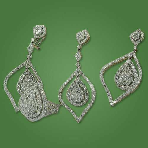 Set of Earrings & Pendant in White Gold over 27ct - Stunning !