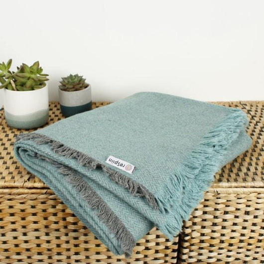 ReSpiin - Recycled Wool Zig Zag Throw With Fringe | The Ideal Sunday