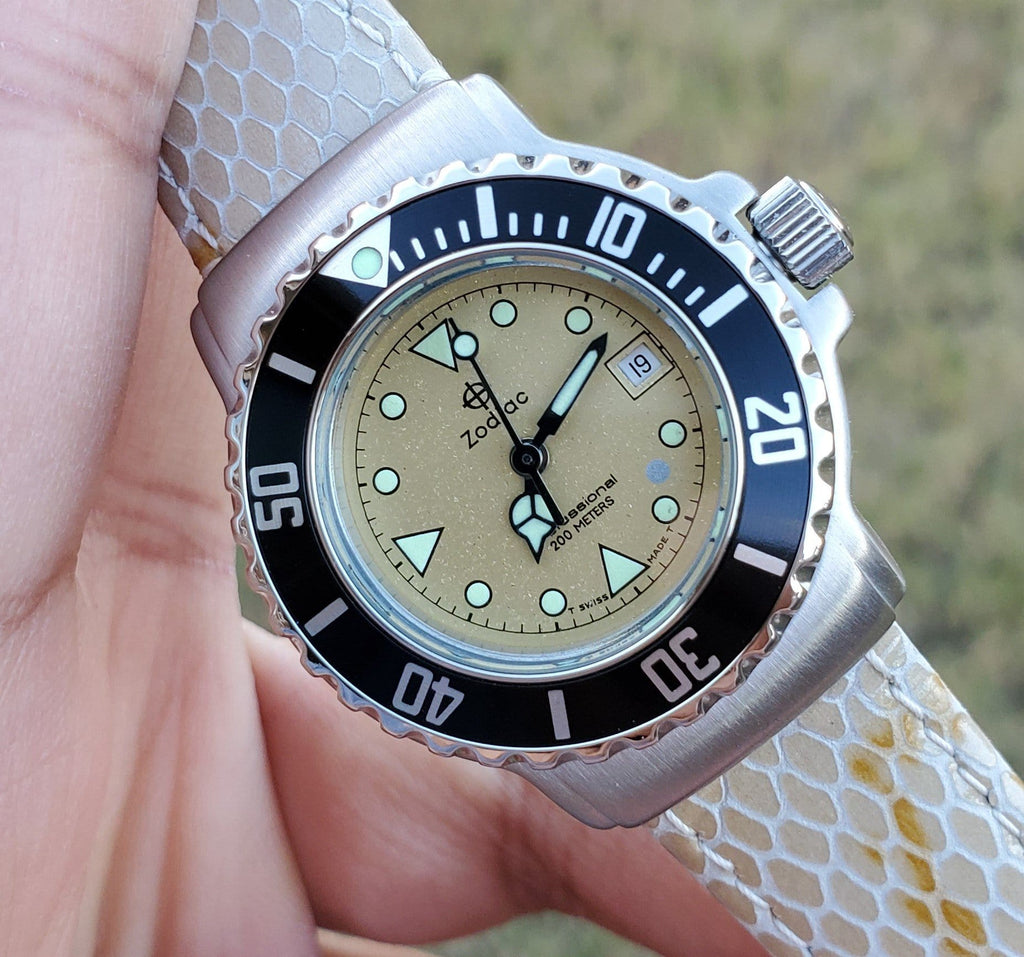 Zodiac Vintage 1990s Dot Champagne Dial Black Bezel Divers 30mm Unisex Watch