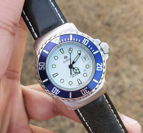 Zodiac Vintage 1990s Dot White Dial Blue Bezel Divers 30mm Unisex Watch