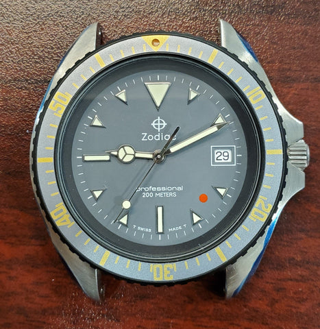 Zodiac Vintage 200M Red Dot Grey Dial 41mm 1990s Men's Watch