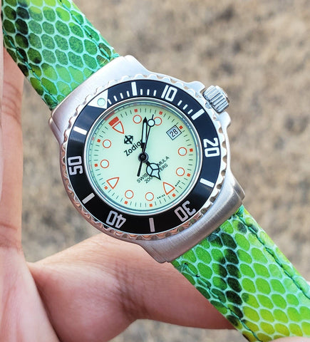 Zodiac Swiss Formula Vintage 1990s Luminous Dial Date 30mm Unisex Watch