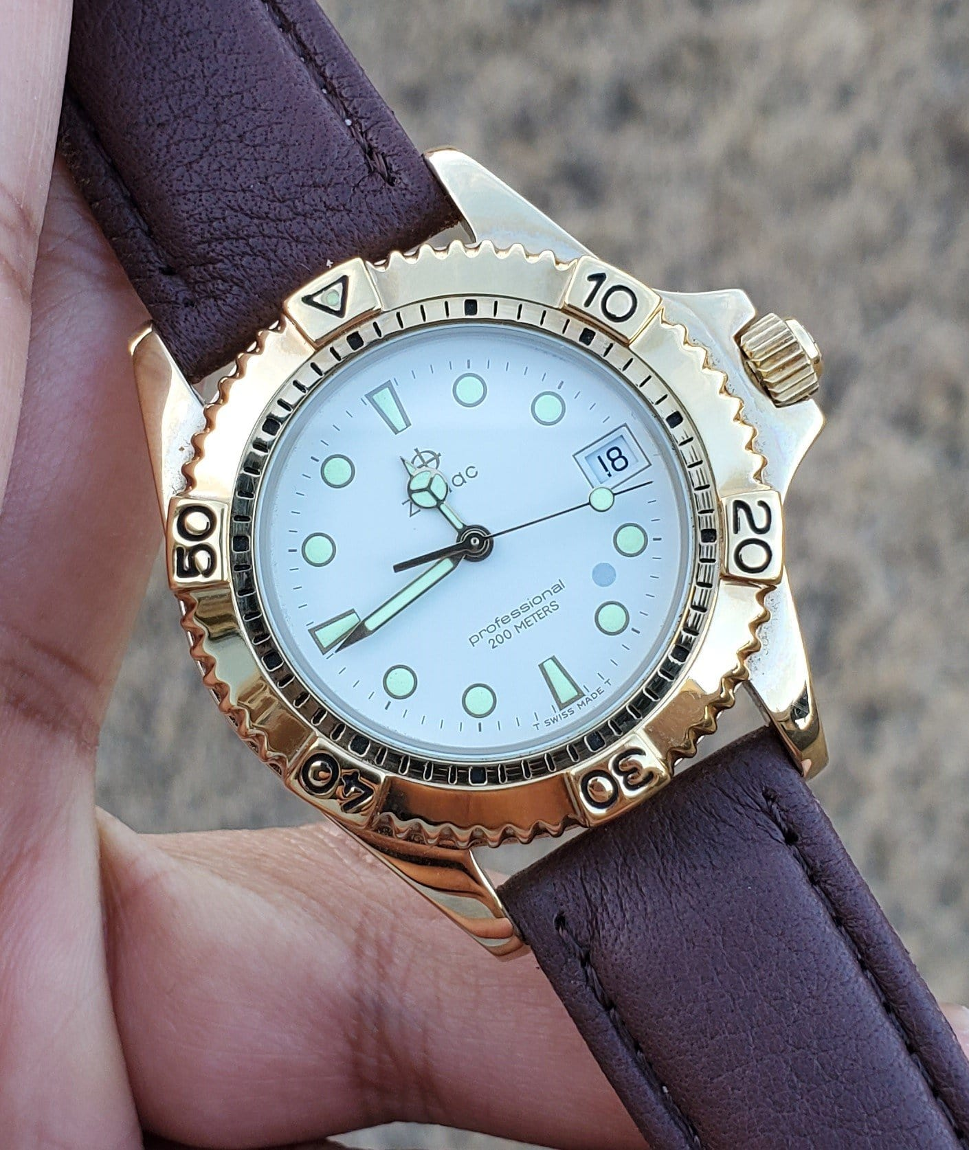 Zodiac Gold-Plated Vintage 1990s White Dial Unisex Watch