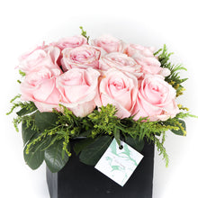 Load image into Gallery viewer, Pink Colombian Roses Vase