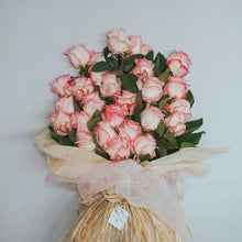 Load image into Gallery viewer, Equador Roses Bouquet- 2 Dozens