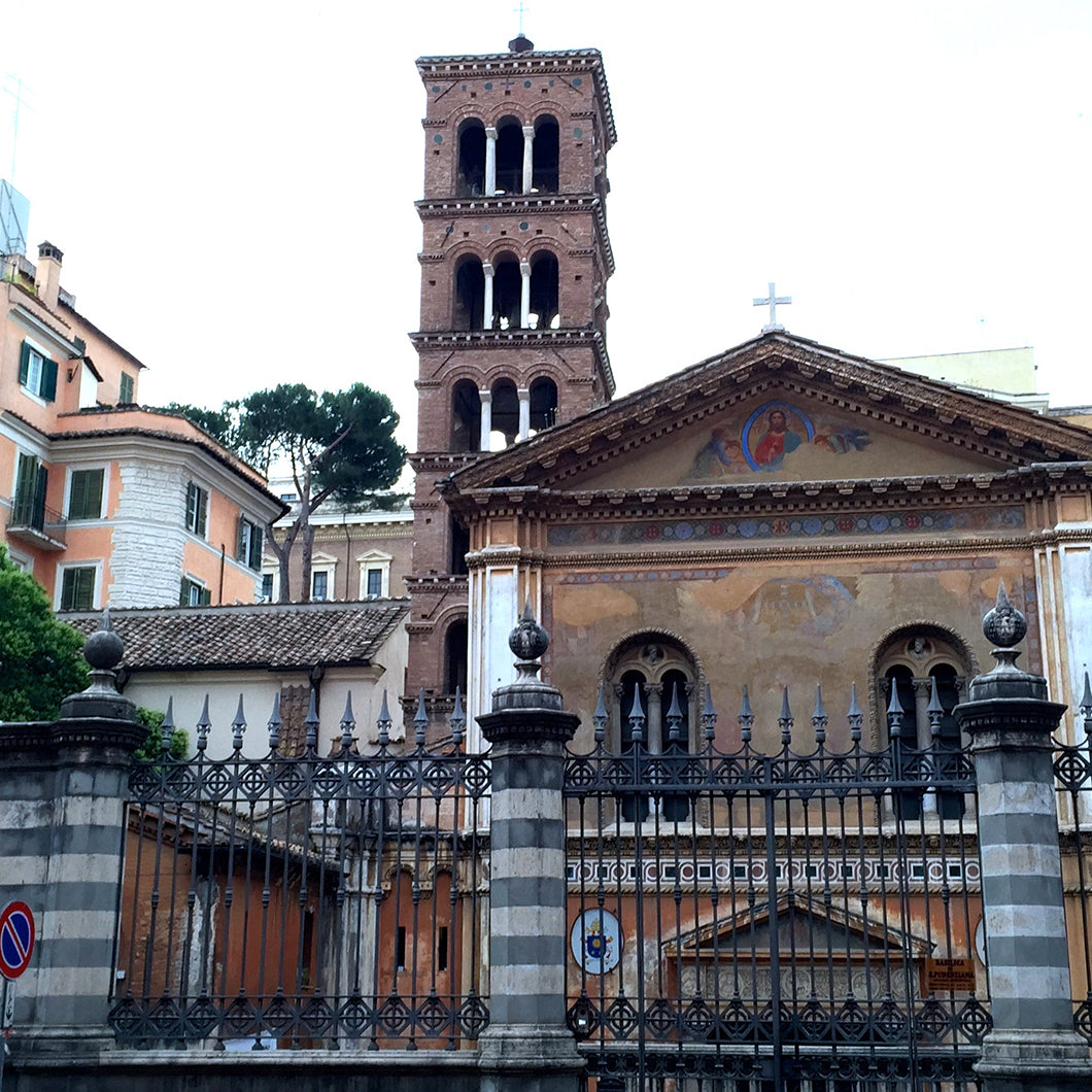 Streeview of the exterior of the Santa Pudenziana church.
