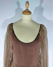 Charger l'image dans la galerie, magnifique robe en organdi marron '1970 splended organdi dress