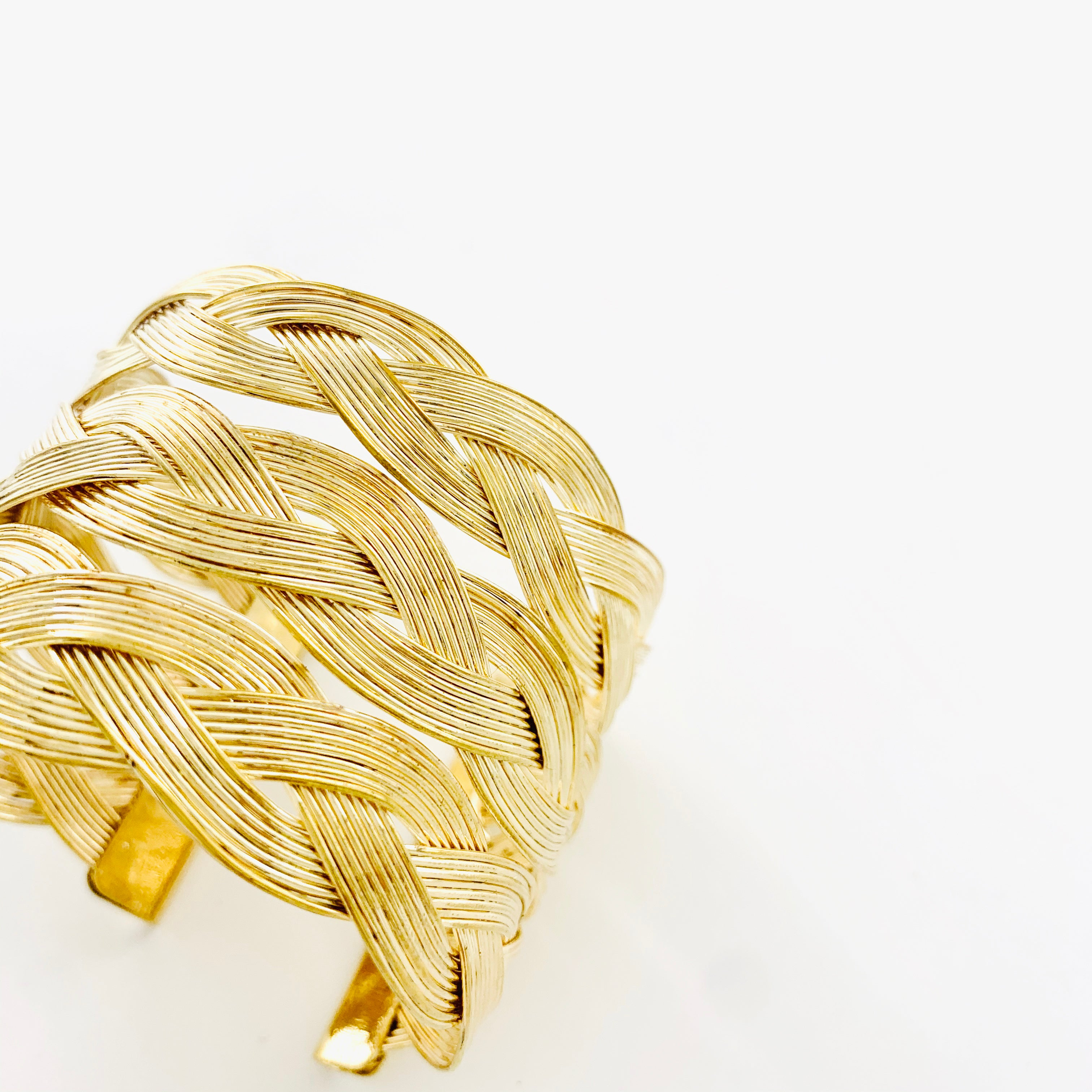 Gold Bangles with wavy weaved pattern
