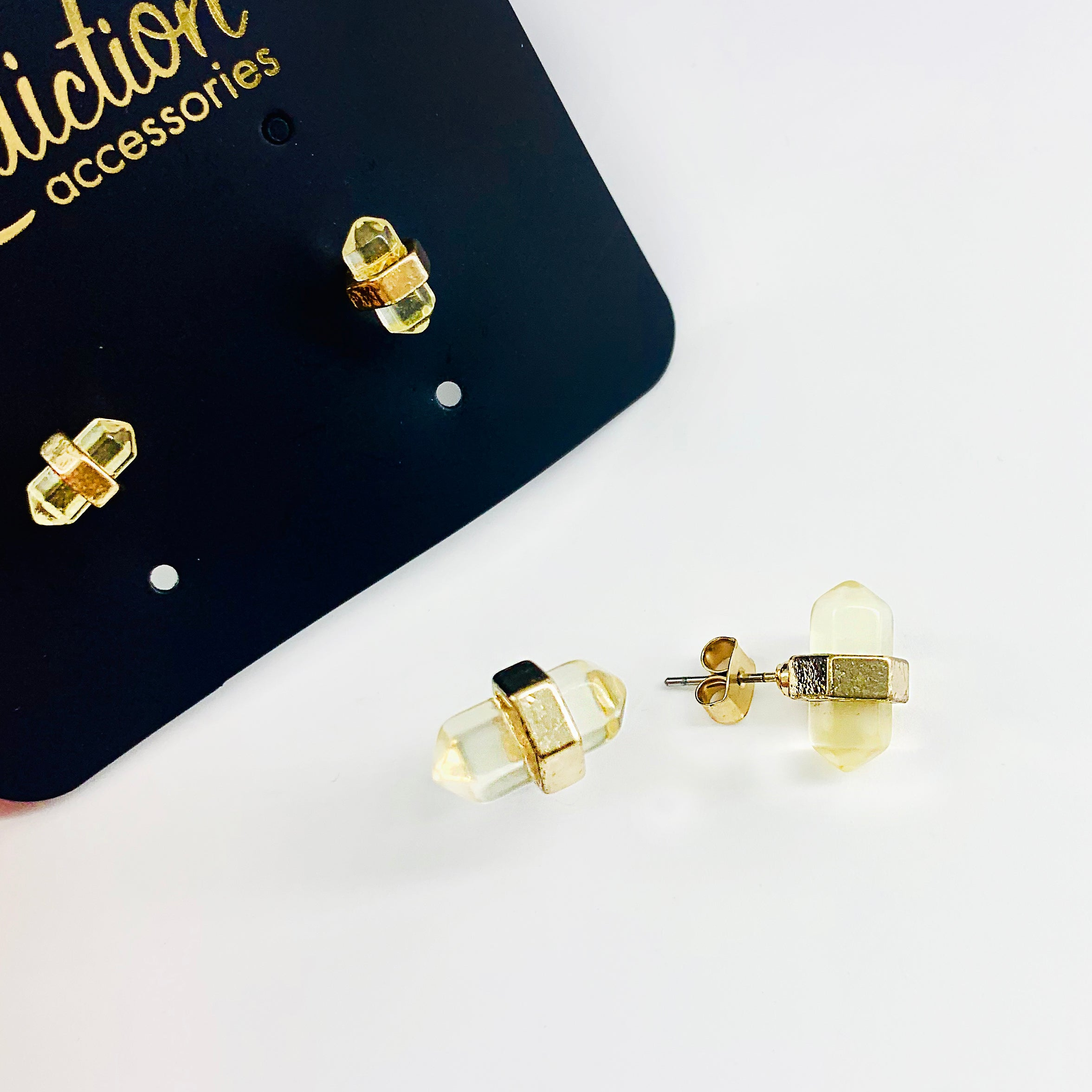 Crystal stones with yellow tone