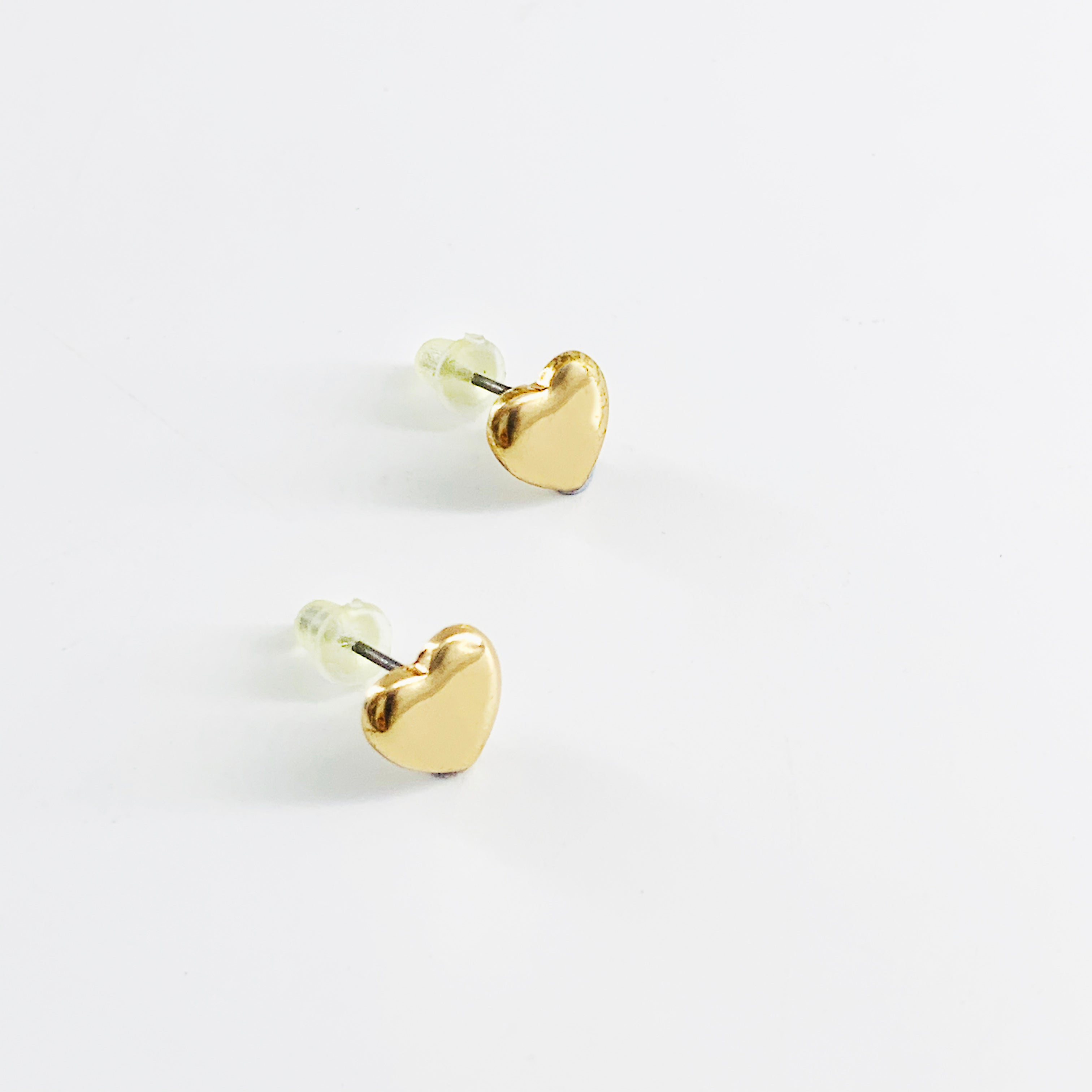 Small gold heart ear studs