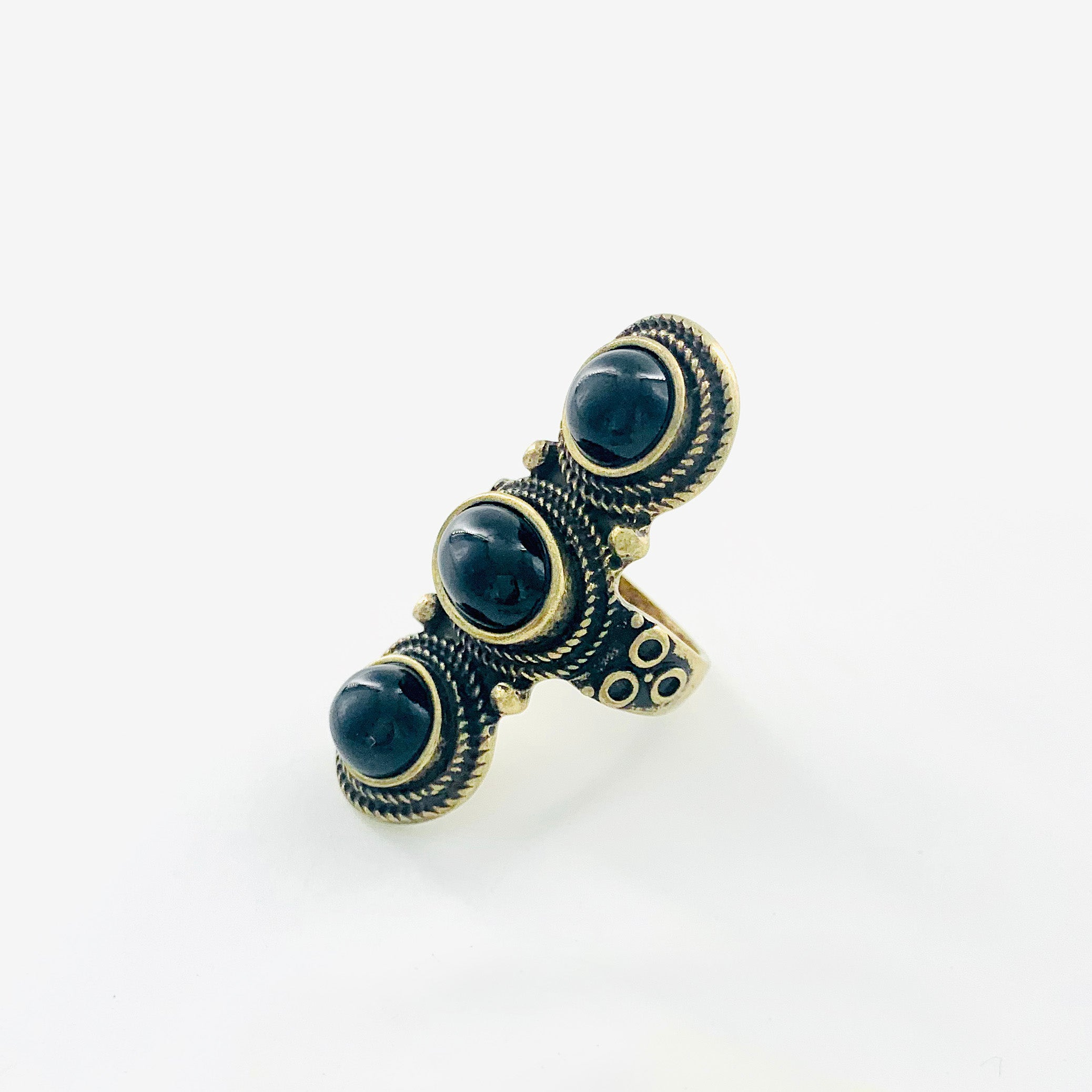 Vintage-styled ring with black beads