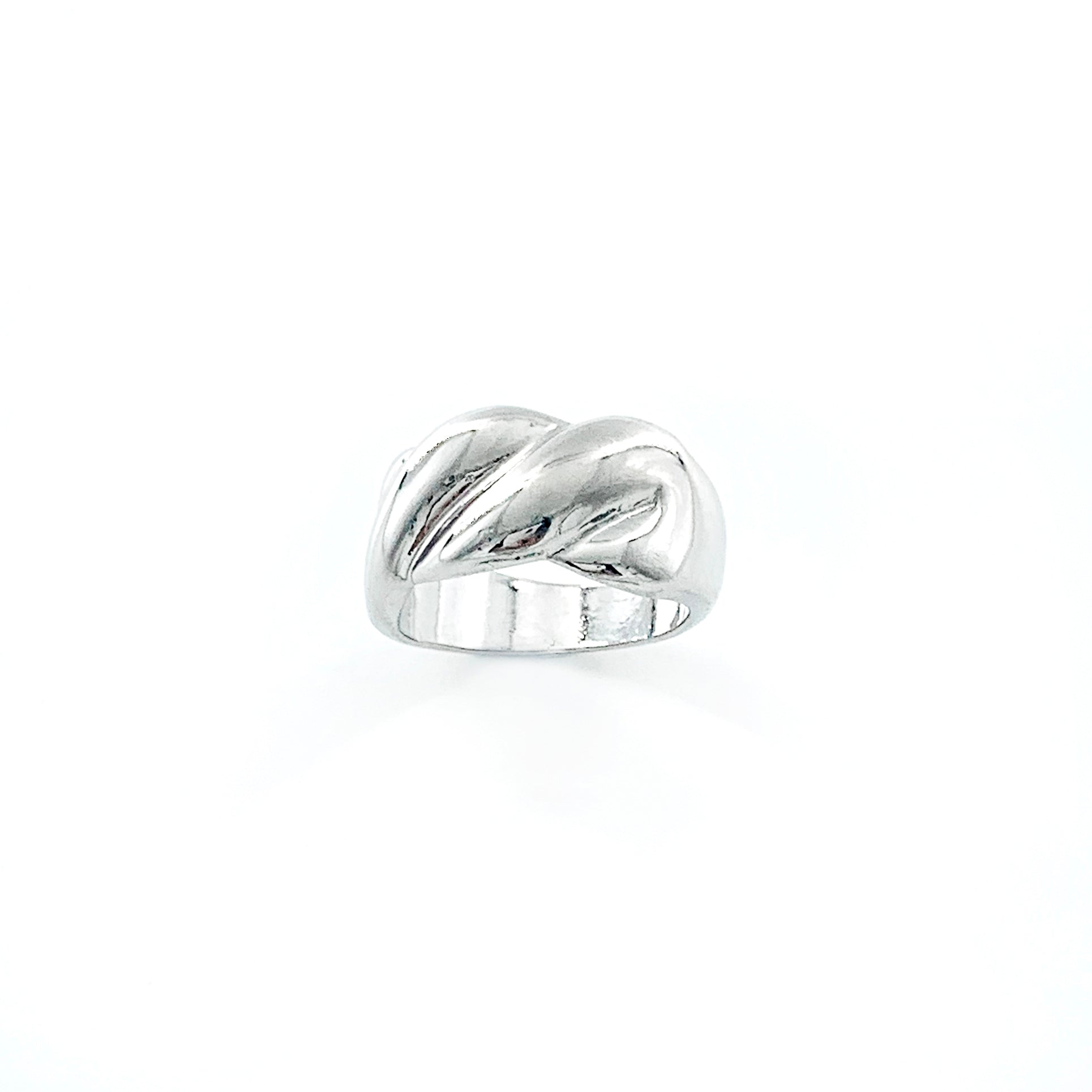 Chunky silver ring with twisted design