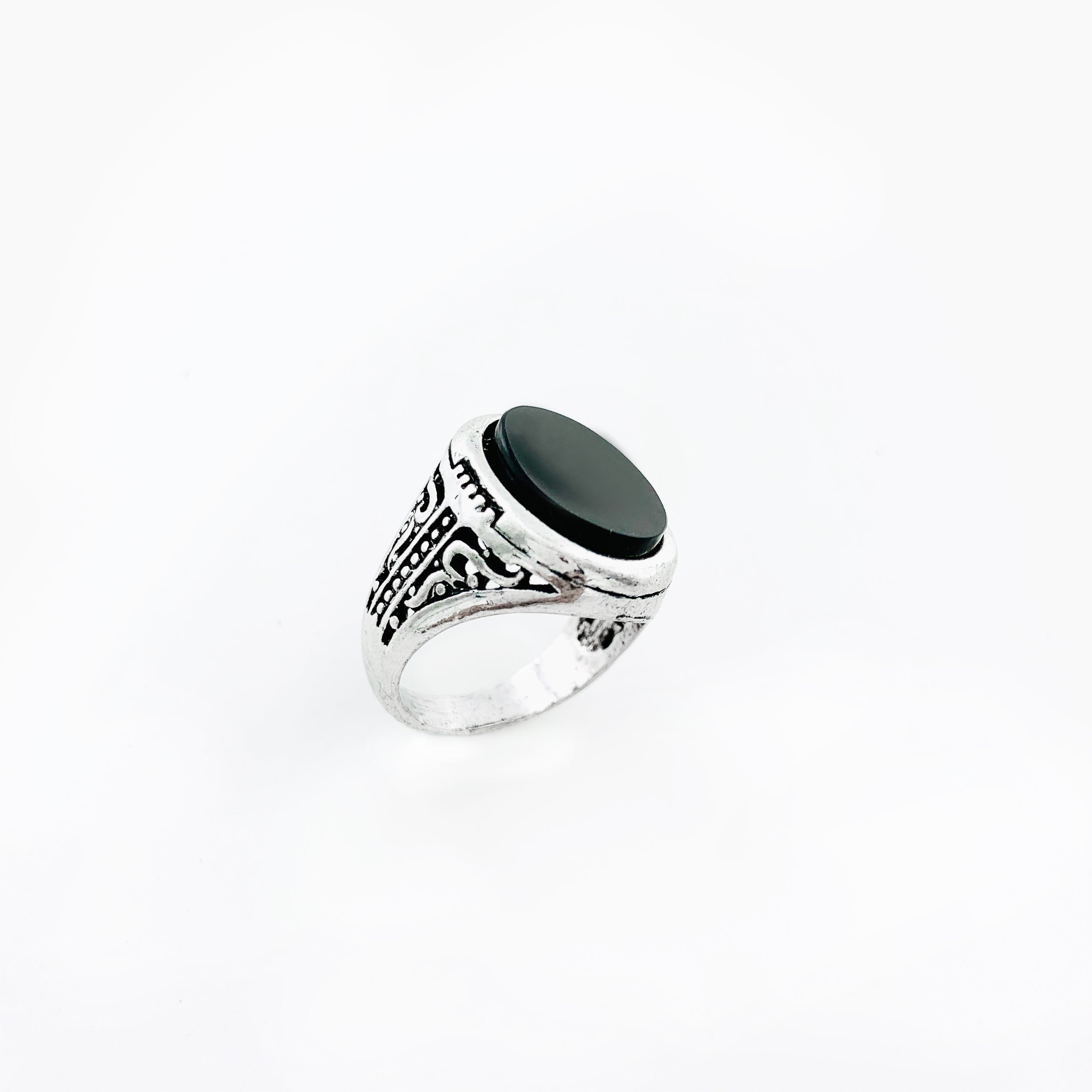 Art deco inspired silver ring with black stone