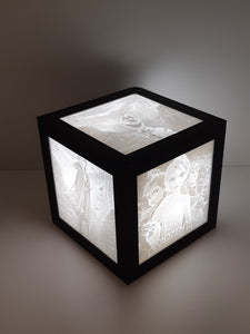 4 x 4 Cube Lamp with 4 Pictures