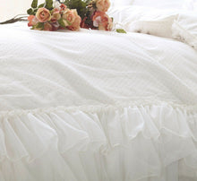 Load image into Gallery viewer, Luxury White Ruffle Lace Quilt Duvet Cover Bedding Set Full Queen King Bedding