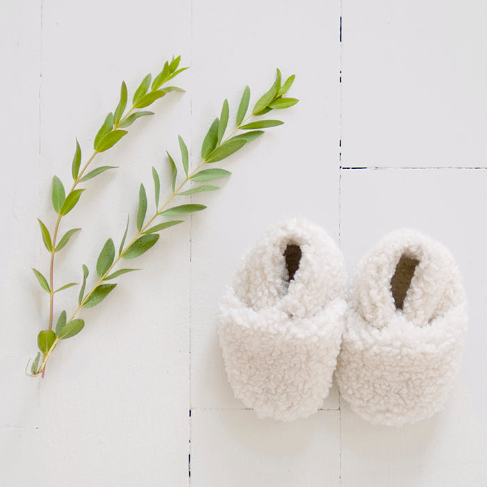 ADVICE Baby Article Two Vegan Shearling Booties Cloud White Cream