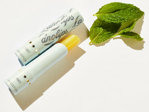 Lanostick Minty with mint leaves