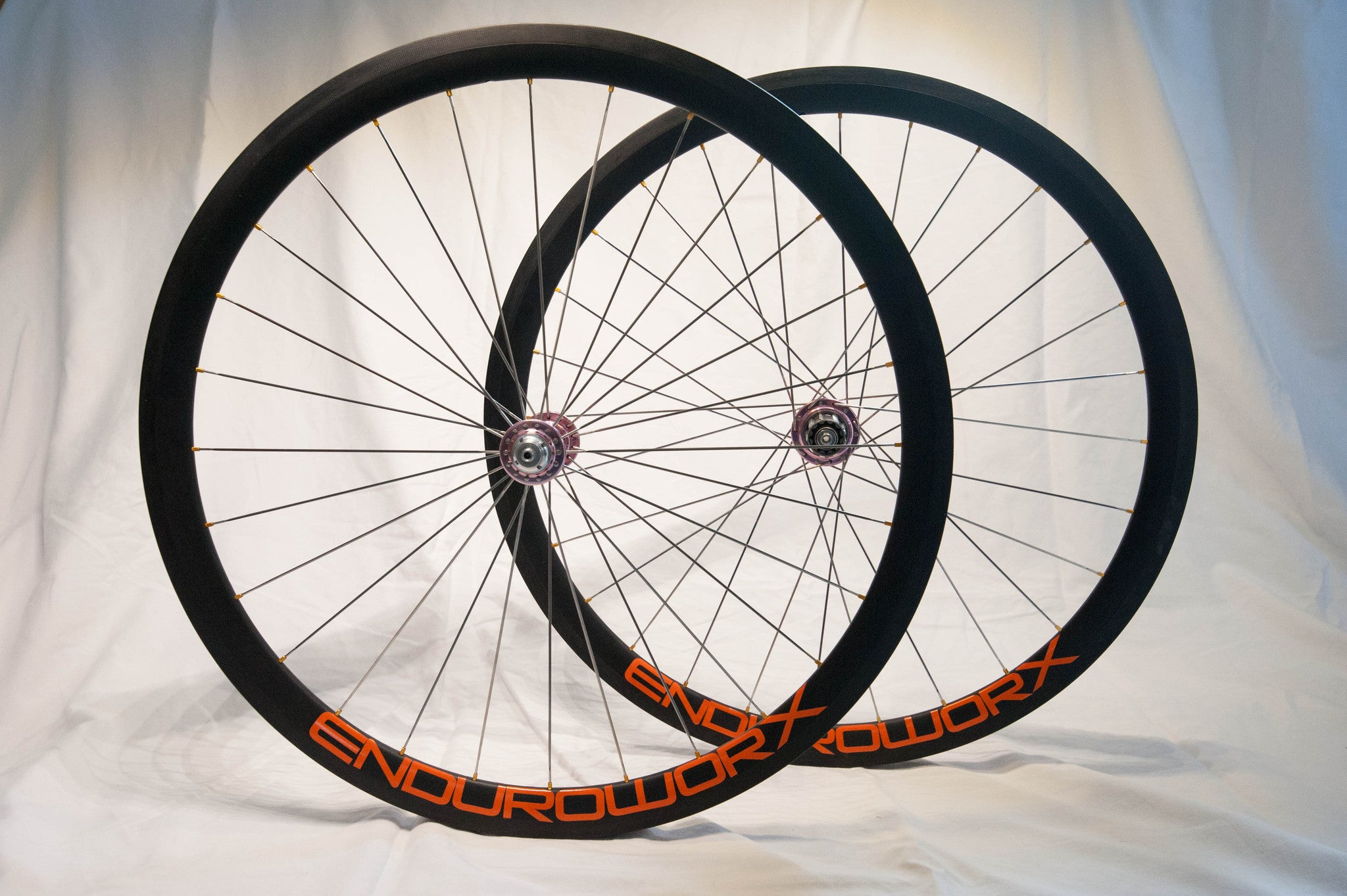 Carbon Road / 25mm wide / DT-Swiss 240s hubs - Enduroworx