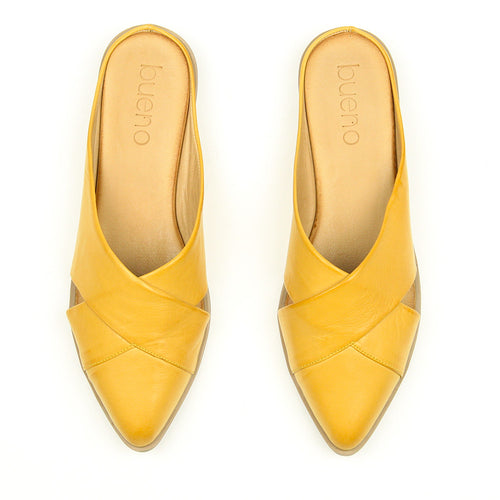 Bueno Bounty Criss Cross Flat in Yellow