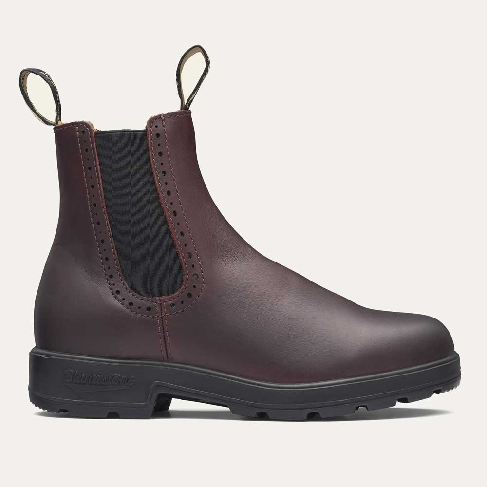 Women's Blundstone 1352 in Burgundy leather.
