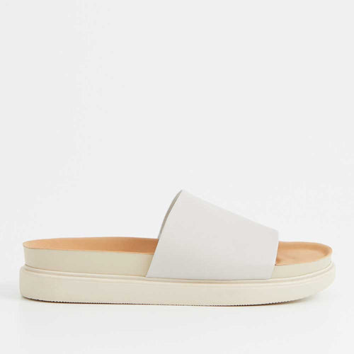 Vagabond Erin Slide Sandal - Cream - Sole Food
