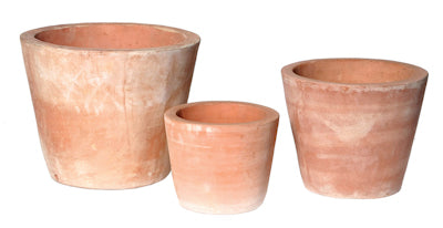 cone-shaped-terracotta-pot-whitewash-effect