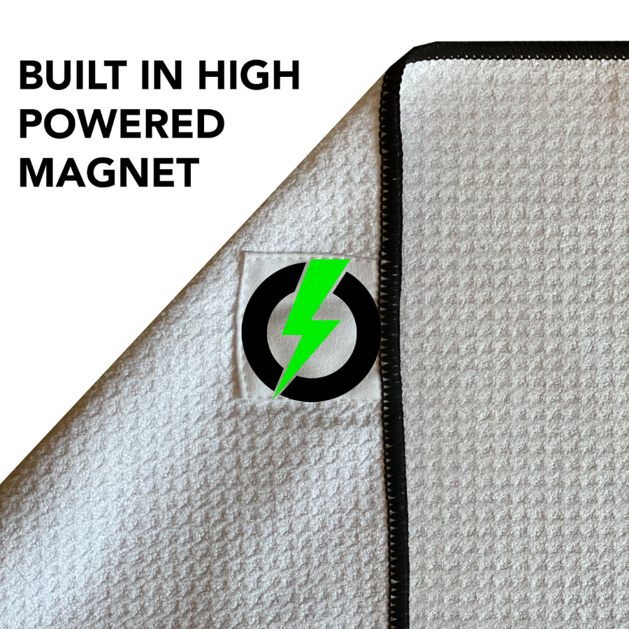 MAGNETIC PLAYER'S TOWEL (With a built-in club scrubber)