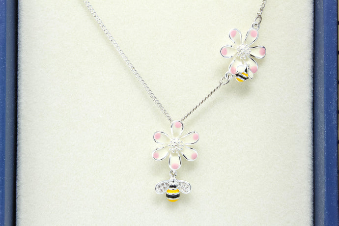 Eq hand-painted odd bee's necklace