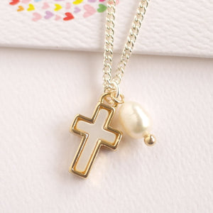 Cross Pendant Necklace with Fresh Water Pearl