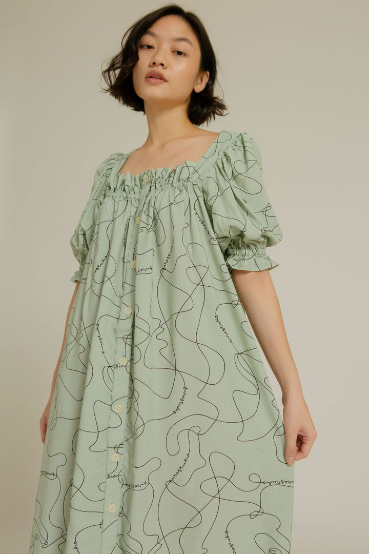 Lamalera Puff Sleeves Nightdress in SS Line