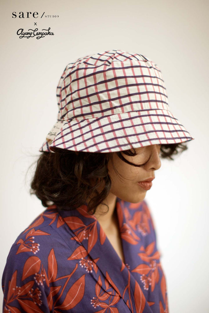 Raha Reversible Bucket Hat in Clove/ Checker