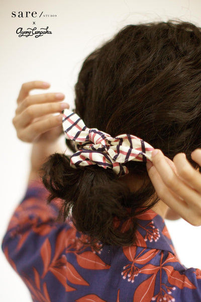 Amaya Scrunchie In Checker