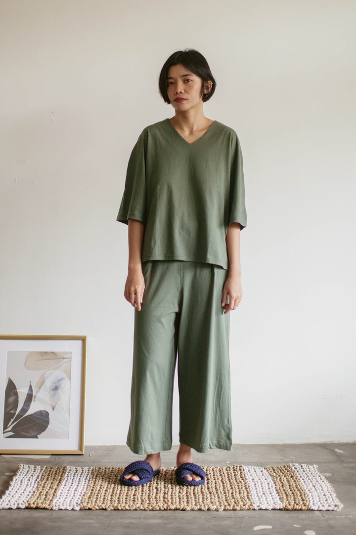 Tahuna Cotton Batwing Sleeve Set in Green