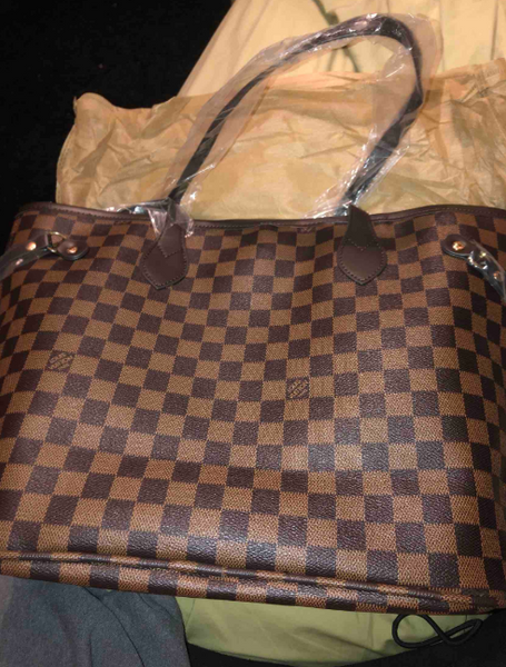 Fashion Louis Vuitton Handbag With Mini Wallet  Special Discount (Save 100 $)