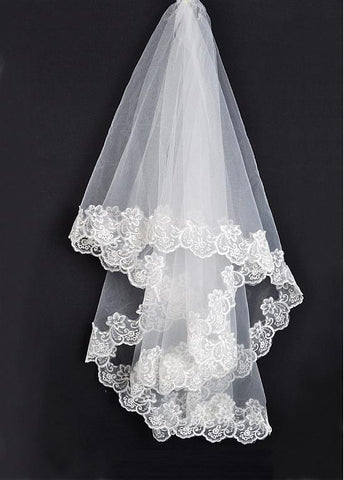 Beautiful Tulle One-tier Ivory Veil Matching Your Elegant Wedding Dress