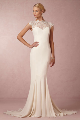 Beautiful fishtail/mermaid fitted dress with high neck top and lace detailing