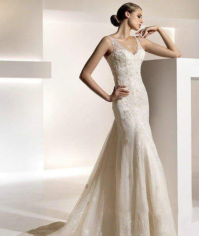 Gorgeous Chiffon & Organza Empire with V-Neckline and Lace/Beading Detailing Wedding Dress