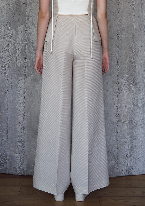 Flared plissé trousers