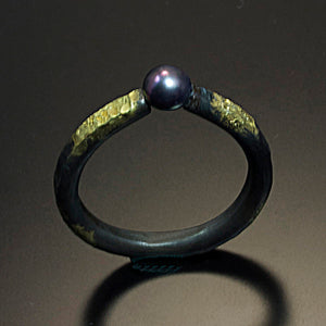 Steel Ring with 20 Karat Gold and Akoya Pearl