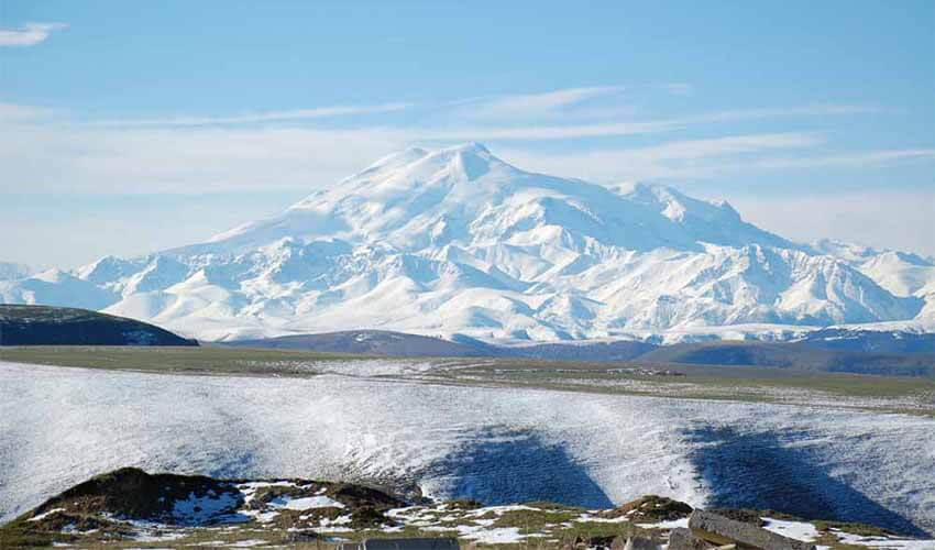 The-Turner-Twins-Question-Mt-Elbrus-2