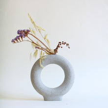 Load image into Gallery viewer, Doughnut Vase - Jenni Oh Crafts