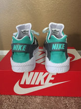Load image into Gallery viewer, Tiffany & Co. Custom Nike Huaraches