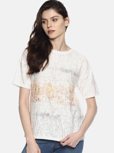 White T-Shirt - Studio Y