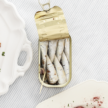 Load image into Gallery viewer, La Brujula Sardines