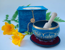 Load image into Gallery viewer, Tibetan 8 Lucky Symbols Singing Bowl Complete Set ~ With Mallet, Mat Cushion & Gift Box ~ For Meditation, Chakra Healing, Prayer, Yoga