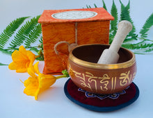 Load image into Gallery viewer, Tibetan OM Mani Singing Bowl Complete Set ~ With Mallet, Mat Cushion & Gift Box ~ For Meditation, Chakra Healing, Prayer, Yoga