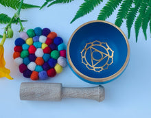 Load image into Gallery viewer, Tibetan Palm Size Chakra Singing Bowl Complete Set.