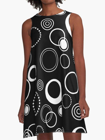Black and White Pockets Retro Circles Pattern A-Line Casual Dress